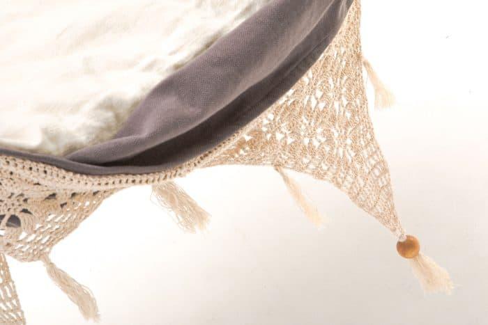 hangstoel-ecomundy-ibiza-detail-gehaakte-franje-grijs